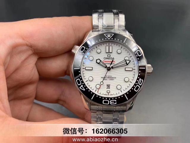 VS欧米茄海马熊猫-怎么辨别vs厂新海马300m熊猫色腕表?  第1张